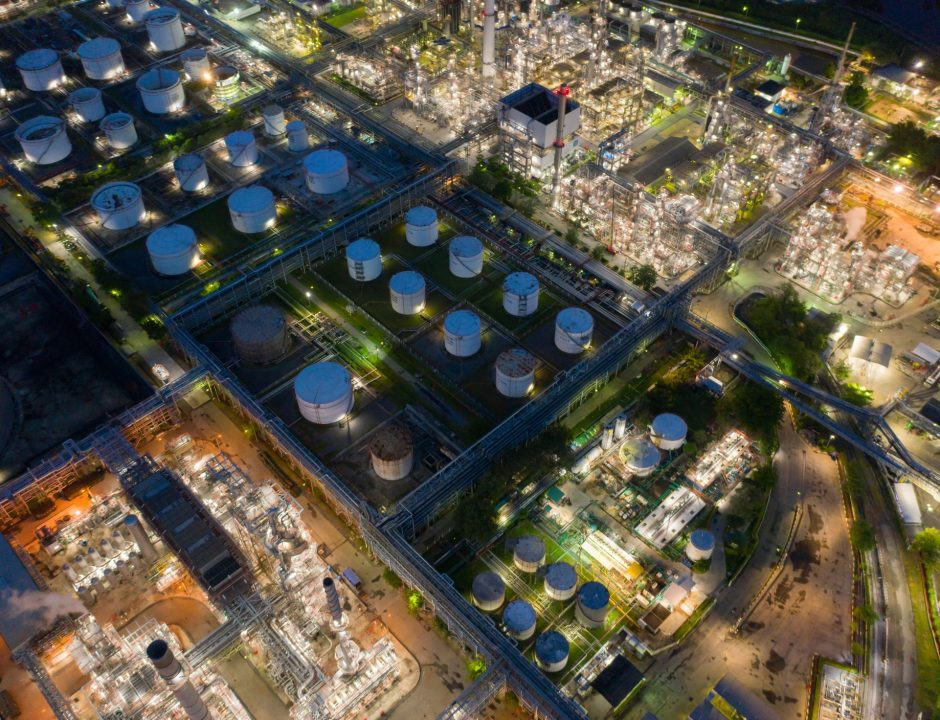 aerial-view-of-petrochemical-oil-refinery-and-sea-in-industrial-engineering-concept-in-bangna_t20_kR9Ez2